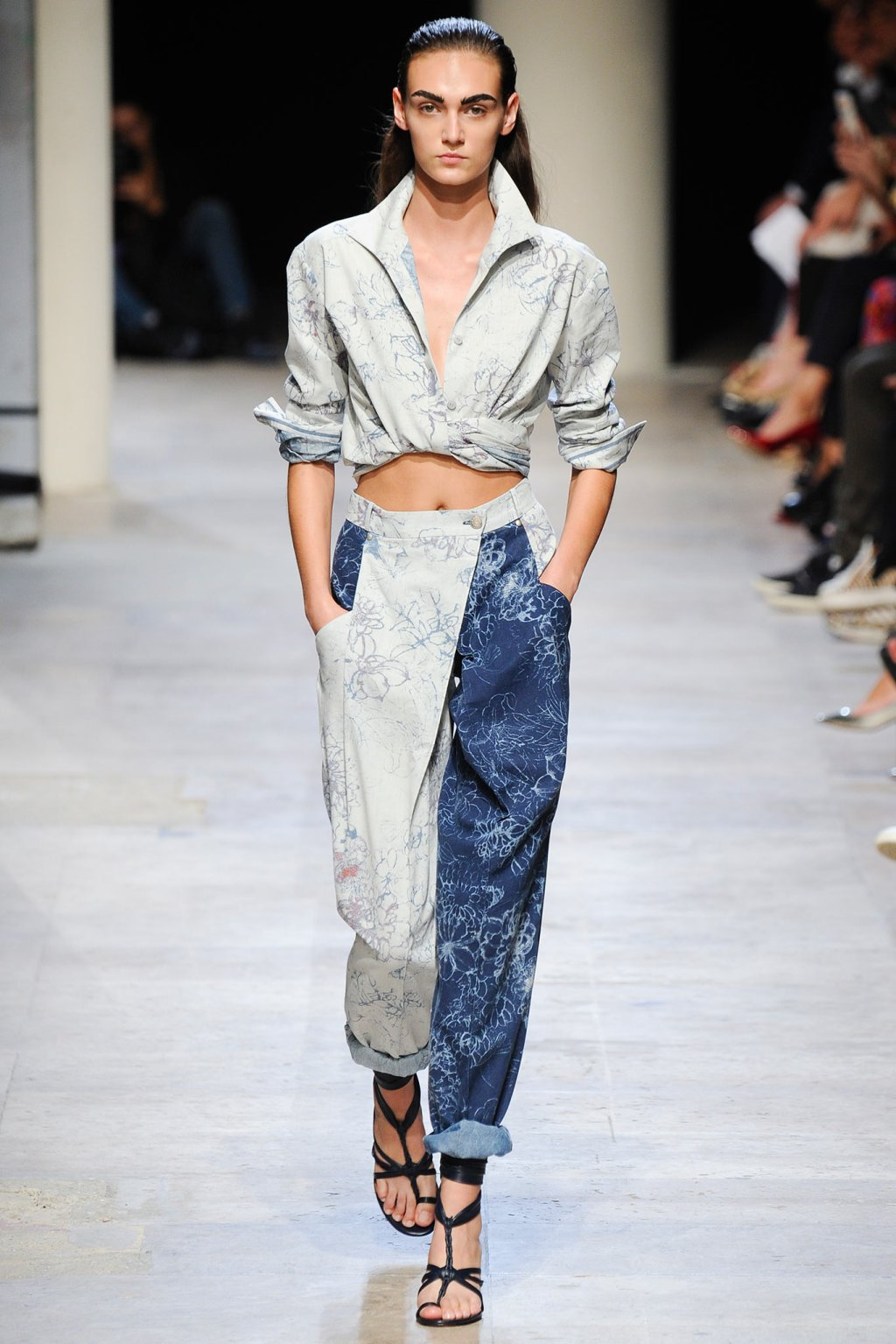 LEONARD DOUBLE DENIM FLORAL MODEL SPRING SUMMER 2015 FASHION WEEK